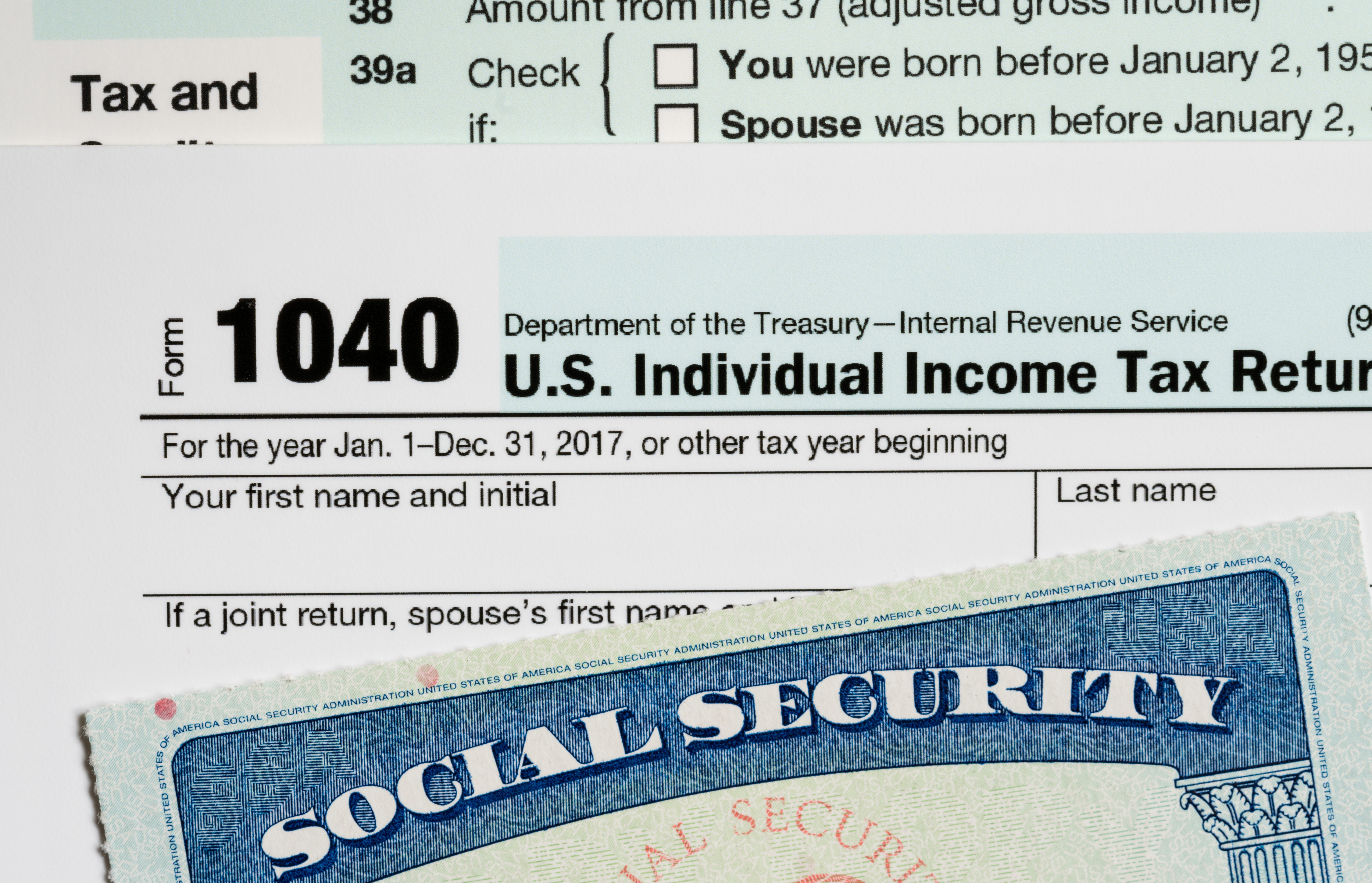 USA Social Security Card on calculations of tax for